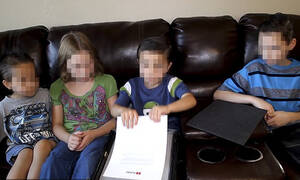 Το κανάλι του τρόμου: Διάσημη Υoutuber βασάνιζε τα παιδιά της για να πρωταγωνιστούν στα βίντεο της