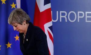 Βρυξέλλες: Σκληρό «παζάρι» για το Brexit - Παράταση υπό όρους δίνουν οι «27» στη Μέι