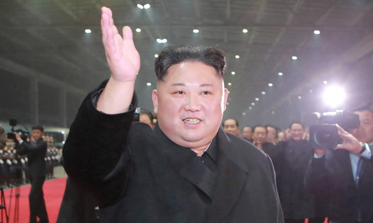 Ο Κιμ Γιονγκ Ουν απέλυσε τον προσωπικό του φωτογράφο - Ο λόγος θα σας αφήσει άφωνους! (pics)