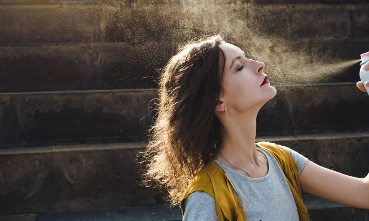 Ενυδατικά σπρέι προσώπου: Τι πρέπει να προσέξετε