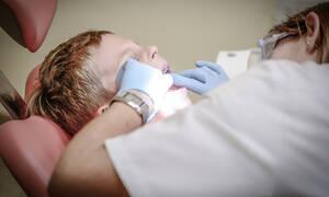 Οδοντιατρική φροντίδα για παιδιά 6-12 ετών – Ξεκινά τον Απρίλιο η έκδοση των voucher
