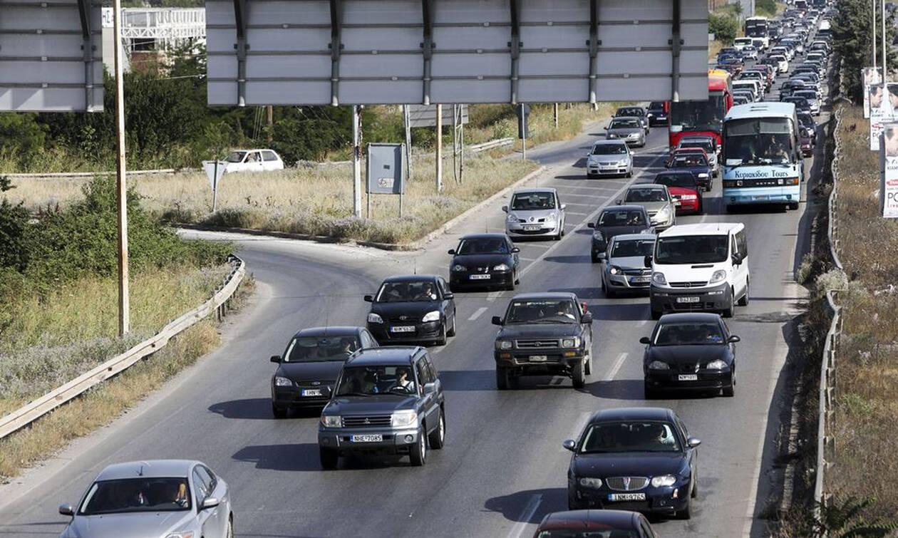 Ξεκίνησε η έξοδος των εκδρομέων – Αυξημένη κίνηση στις Εθνικές οδούς