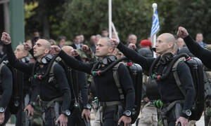25η Μαρτίου: Διατάχθηκε απαγόρευση συνθημάτων στην παρέλαση - Τι θα γίνει με τους ΟΥΚάδες;