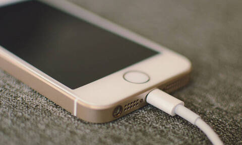 Νεαρή μαθήτρια βρήκε τραγικό θάνατο από το... κινητό της