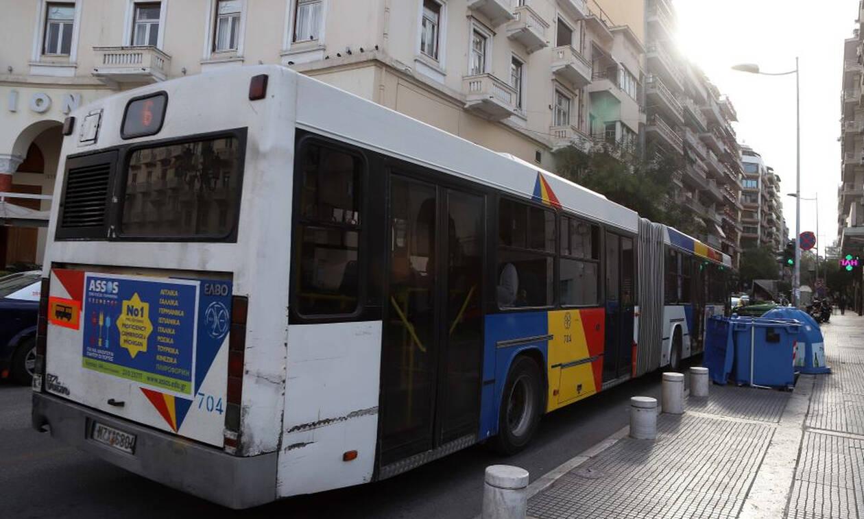 Πανικός στη Θεσσαλονίκη: Πήδηξε από το παράθυρο του λεωφορείου – Έκπληκτοι οι επιβάτες