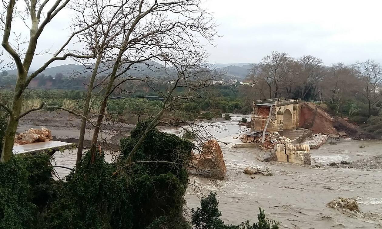 Κρήτη: Βαρέθηκαν να περιμένουν την Πολιτεία και έφτιαξαν μόνοι τους δρόμο (pics)