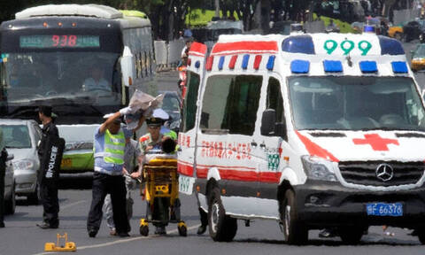 Τραγωδία στην Κίνα: 26 νεκροί από δυστύχημα με τουριστικό λεωφορείο