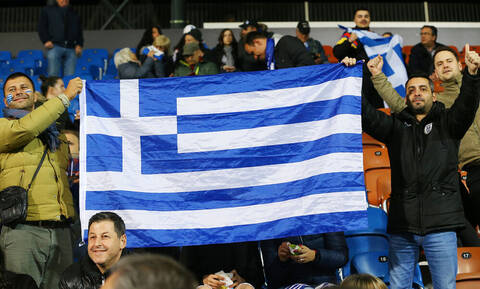 Οι Έλληνες φίλαθλοι τραγούδησαν το «Μακεδονία ξακουστή» στο Λίχτενσταΐν (photos)