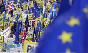 Απειλές για τη ζωή της δέχεται η Κύπρια που ξεκίνησε την εκστρατεία υπογραφών κατά του Brexit