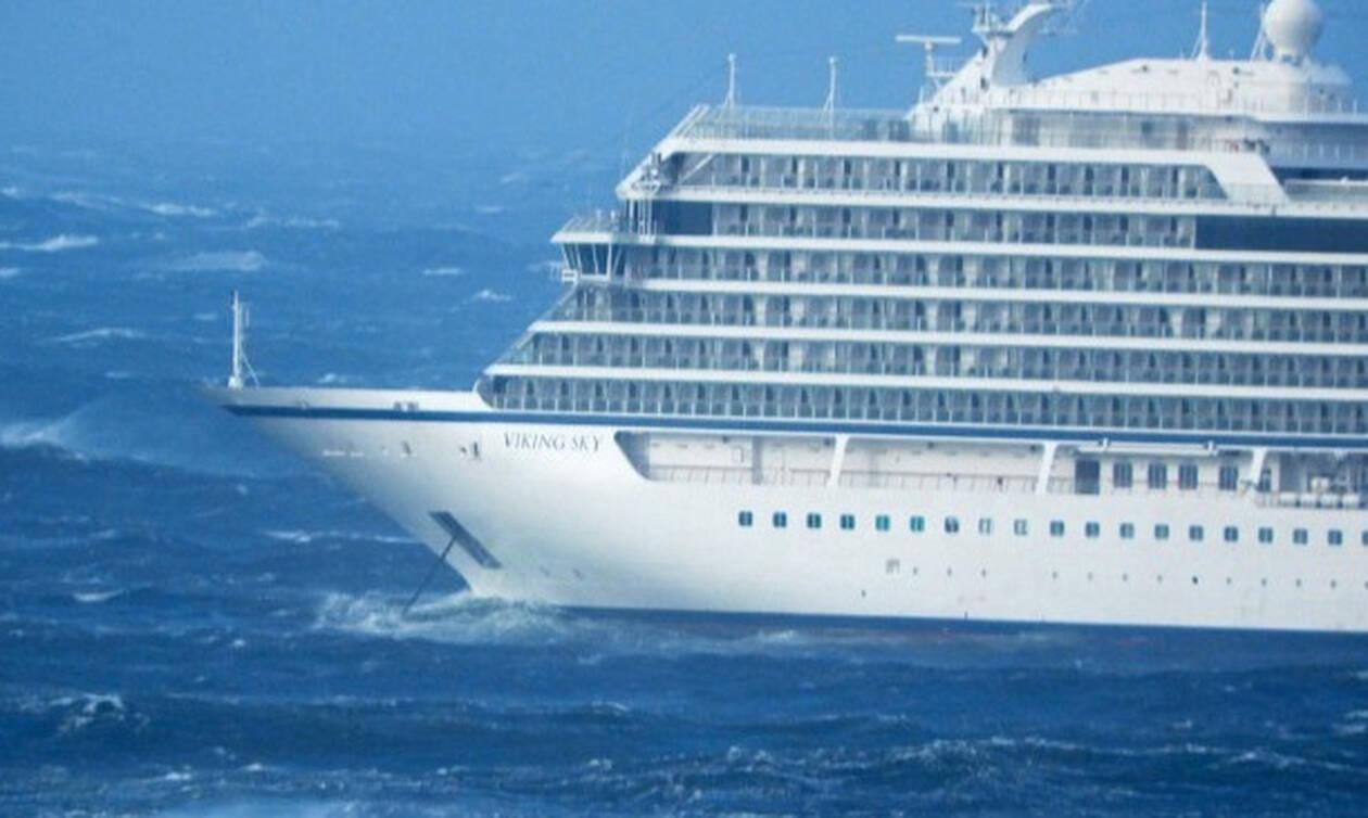 Το κρουαζιερόπλοιο Viking Sky ρυμουλκείται σε ασφαλές λιμάνι