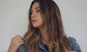 Πώς θα καλύψεις τα λαδωμένα μαλλιά χωρίς σαμπουάν κι άλλα κόλπα που δεν ξέρεις