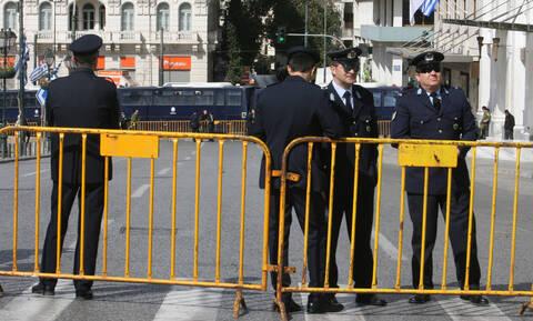 Δρακόντεια μέτρα ασφαλείας για τις παρελάσεις της 25ης Μαρτίου – Ποιοι δρόμοι θα κλείσουν
