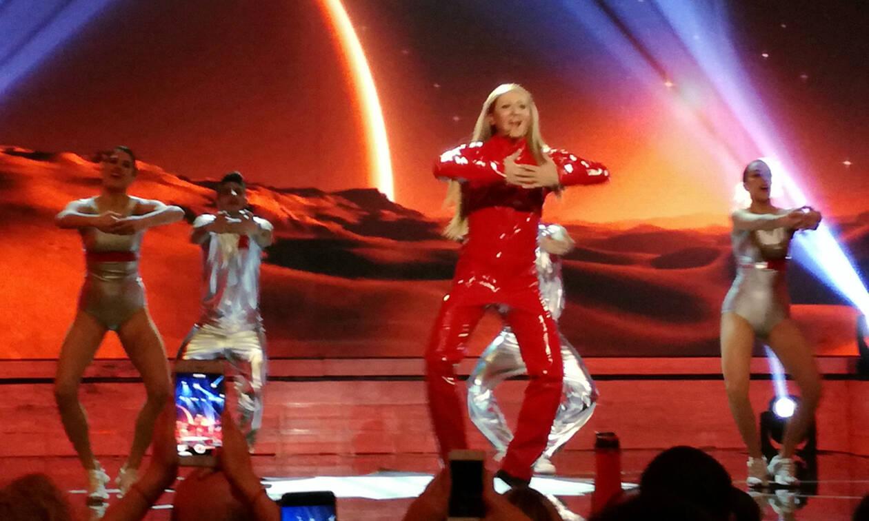 YFSF: Δύσκολη μέρα για τον Αργύρη Αγγέλου που έγινε Britney Spears 2 φορές (pics- video)