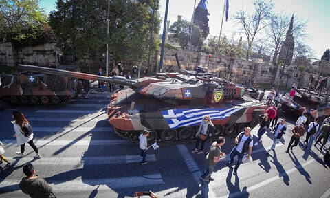 25η Μαρτίου: Η μεγάλη στρατιωτική παρέλαση στο κέντρο της Αθήνας