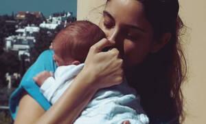 Ένας χρόνος από τότε που έγινε μαμά η Δούκισσα Νομικού: Όλες οι φωτογραφίες του Σάββα