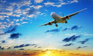Απίστευτο: Άνδρας προσπάθησε να επιβιβαστεί σε αεροπλάνο γυμνός! (photos)