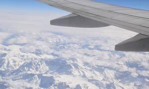 Πανικός σε πτήση: Καπνοί στο πιλοτήριο - Αναγκαστική προσγείωση αεροσκάφους