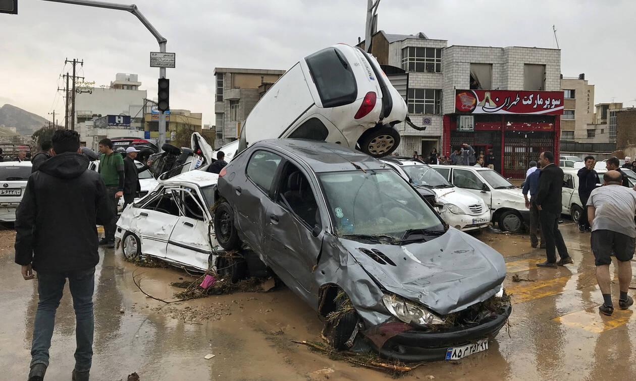 Ιράν: 18 νεκροί και 68 τραυματίες από τις σαρωτικές πλημμύρες (pics)