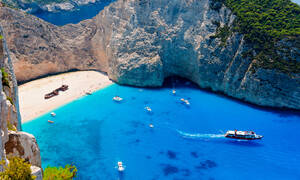 Власти острова Закинфос запретили судам заходить в бухту Навагио