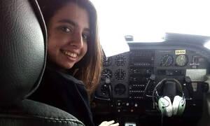 «Έλληνες ψηλά το Κεφάλι»: Συγκλονίζει 17χρονη πιλότος που πέταξε πάνω από την Κρήτη την 25η Μαρτίου