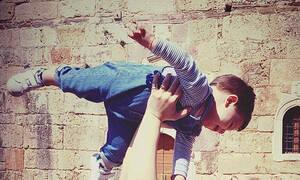 Η Ελληνίδα ηθοποιός μας δείχνει το πρόσωπο του γιου της για πρώτη φορά (pics)