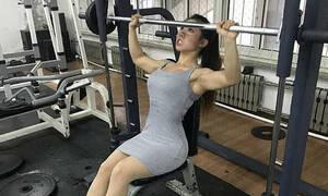 H πανέμορφη bodybuilder που δεν... μπλέκεις - Γνωρίστε την sexy King Kong Barbie! (pics)