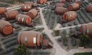 Μεξικό: Ξενοδοχείο με δωμάτια σε σχήμα... βαρελιού τεκίλας μαγνητίζει τα βλέμματα (vid)