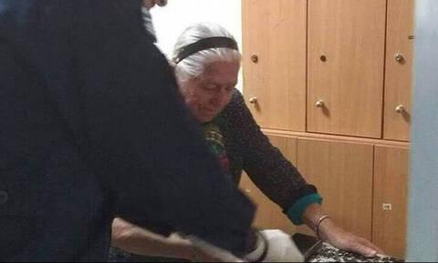 Οργή και θλίψη: Πρόστιμο 200 ευρώ στην 90χρονη γιαγιά που πουλούσε «τερλίκια»