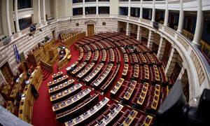ΕΚΤΑΚΤΟ: Στη Βουλή απόψε η ρύθμιση για την προστασία της πρώτης κατοικίας