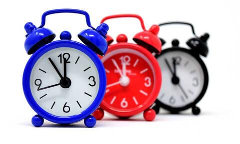 Αλλαγή ώρας: Αποφασίστηκε η κατάργησή της - Δείτε πότε θα πάμε τα ρολόγια μία ώρα μπροστά
