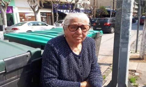 «Θα ανάψω ένα κεράκι για όλους σας» – Συγκινεί η 90χρονη που συνελήφθη για τις παντόφλες
