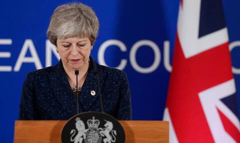 Μέι: Ψηφίστε τη συμφωνία για το Brexit και παραιτούμαι μετά τις 22 Μαΐου