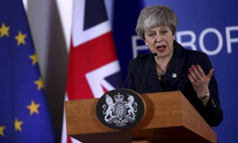 Αλλάζει κι επισήμως η ημερομηνία του Brexit – Ποιος θα είναι ο διάδοχος της Μέι