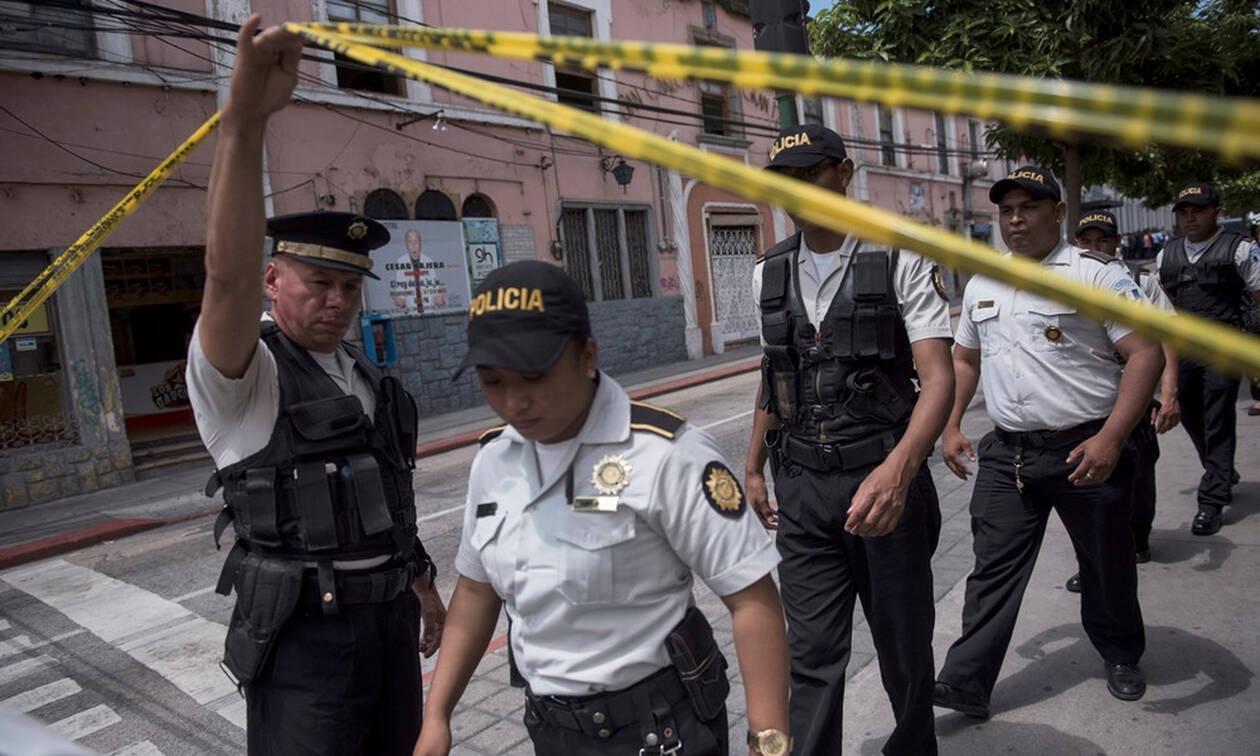 Φορτηγό έπεσε πάνω σε πλήθος στη Γουατεμάλα: Τουλάχιστον 18 νεκροί