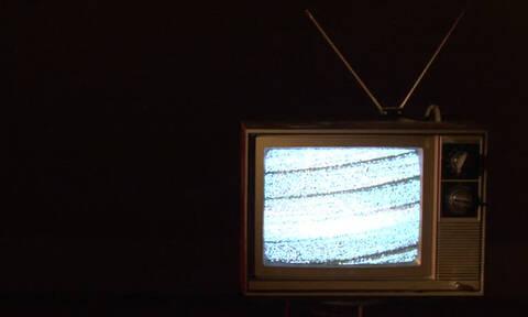 Κοιμάσαι με την τηλεόραση ανοιχτή; Σταμάτα το αμέσως!