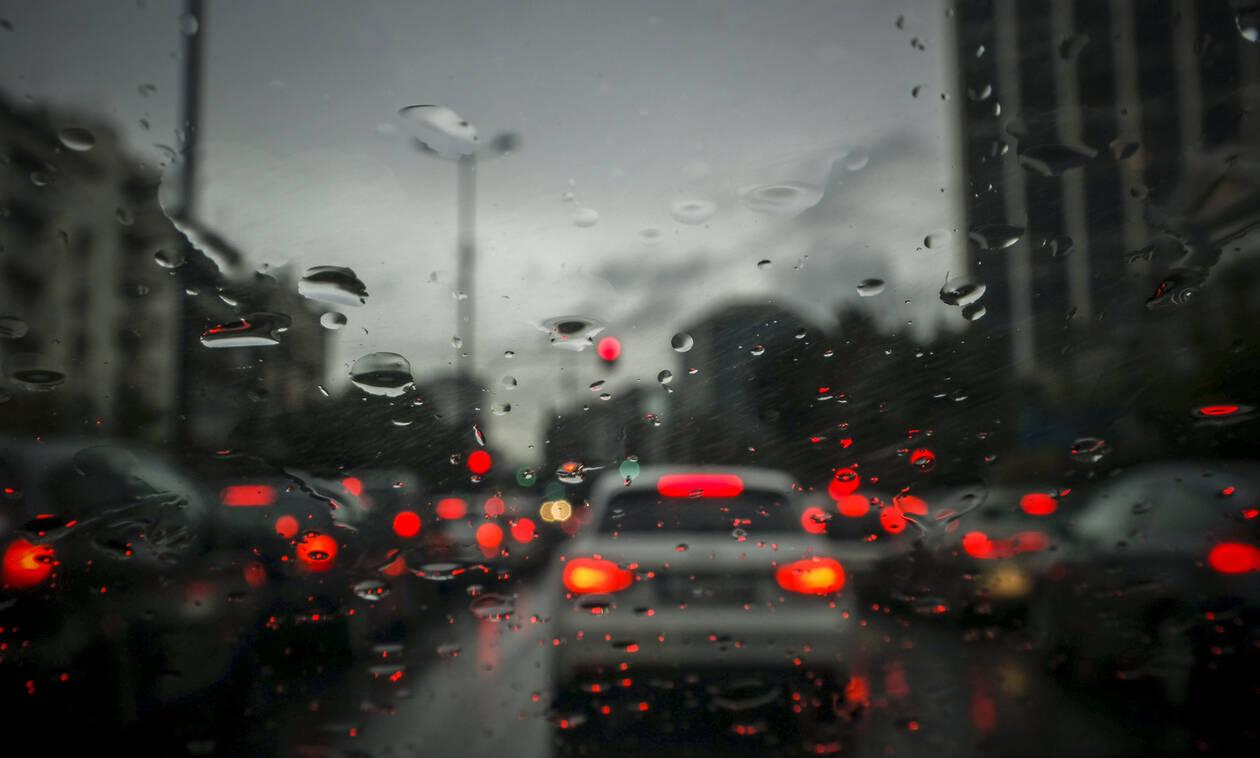«Κόλαση» στους δρόμους της Αθήνας - Πού εντοπίζονται προβλήματα στην κυκλοφορία