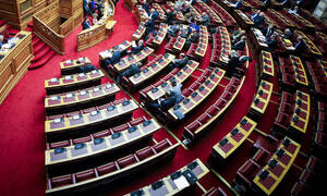 Προστασία α' κατοικίας: Στις 12:30 η ψηφοφορία στη Βουλή για τη νέα ρύθμιση