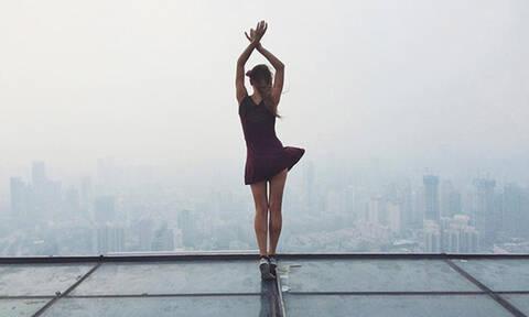 Προσοχή! Μη δοκιμάσετε ποτέ να κάνετε ό,τι κάνει αυτή η εντυπωσιακή Ρωσίδα (Pics)