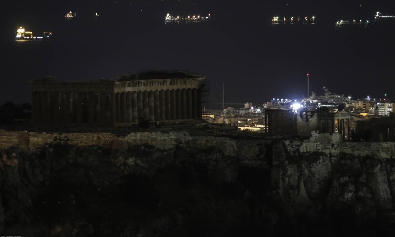 Ώρα της Γης: Η Αθήνα βυθίζεται στο σκοτάδι σε λίγες ώρες