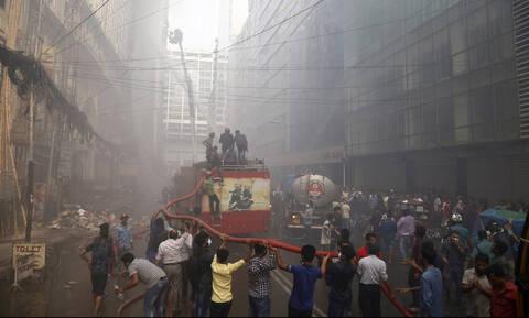 Μπαγκλαντές: Στους 25 οι νεκροί από την πυρκαγιά στο πολυώροφο κτήριο γραφείων