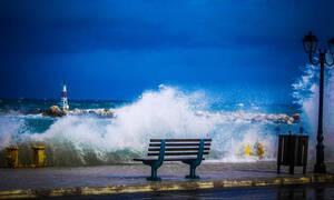 Καιρός Σαββατοκύριακο: Άστατος με βροχές και καταιγίδες – Προσοχή στους θυελλώδεις ανέμους!
