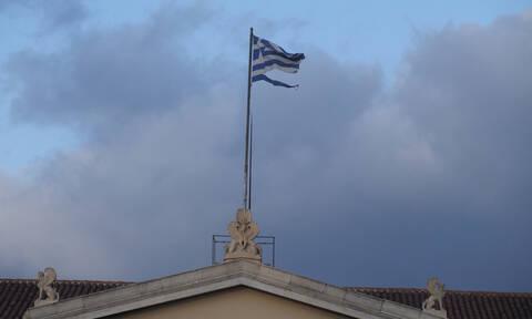 Meteo.gr: Τα 150 χλμ/ώρα έφτασαν οι ριπές ανέμου στον Παρνασσό - Πού θα φτάσουν σήμερα τα 10 μποφόρ