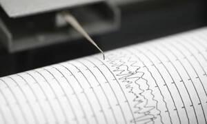Σεισμός στον Κορινθιακό κόλπο - «Ταρακουνήθηκε» η Αθήνα (pics)