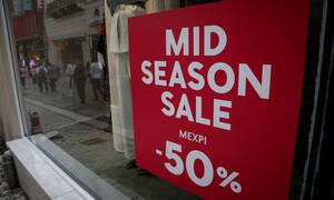 Ενδιάμεσες ανοιξιάτικες εκπτώσεις: Πότε ξεκινούν - Ποιες Κυριακές θα είναι ανοιχτά τα καταστήματα