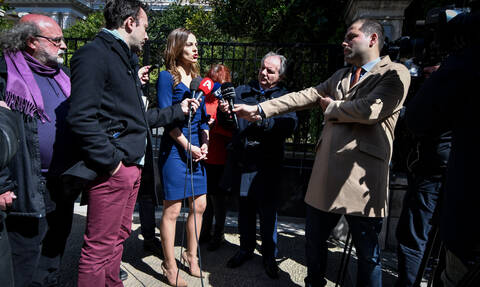 Tsipras, Achtsioglou: widower's pensions to be raised-debts to social security funds settled