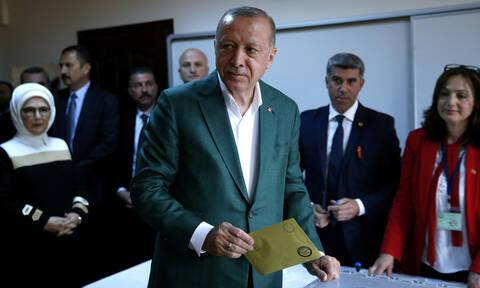 Τουρκία εκλογές: Αυτά είναι τα πρώτα αποτελέσματα – Σε «αναμμένα κάρβουνα» ο Ερντογάν