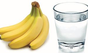 Τρώει μια μπανάνα κάθε πρωί για την απόλυτη αλλαγή! Θα το δοκιμάσετε σίγουρα...