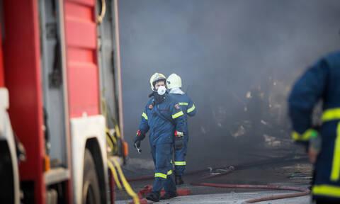Συναγερμός για πυρκαγιά στο κέντρο της Γλυφάδας