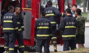 Κίνα: 27 πυροσβέστες νεκροί σε δασική πυρκαγιά - Η αλλαγή του αέρα προκάλεσε την τραγωδία (vid)