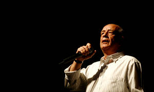 Δημήτρης Μητροπάνος: Η φωνή που «σημάδεψε» το ελληνικό τραγούδι